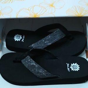 NWT NIB women's black flip flops w/ silver size 11
